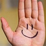 mano con risa feliz