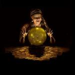 Si decides con una bola de cristal, lo más probable es que acabes comiendo vidrio